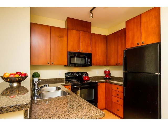 "Photo 27: 506 8717 160 Street in Surrey: Fleetwood Tynehead Condo for sale in ""Vernazza"" : MLS(r) # R2066443"