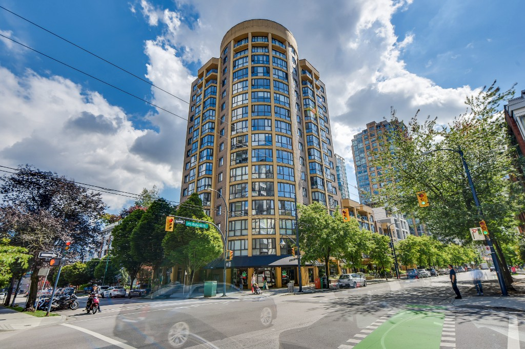 "Photo 23: 906 488 HELMCKEN Street in Vancouver: Yaletown Condo for sale in ""Robinson Tower"" (Vancouver West)  : MLS(r) # R2086319"