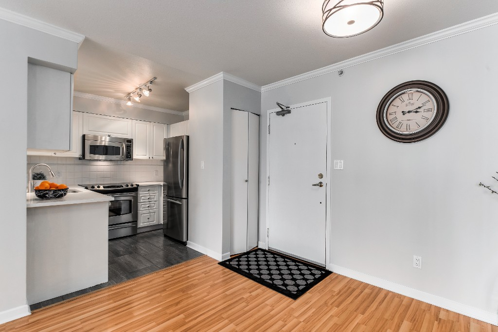 "Photo 5: 906 488 HELMCKEN Street in Vancouver: Yaletown Condo for sale in ""Robinson Tower"" (Vancouver West)  : MLS(r) # R2086319"