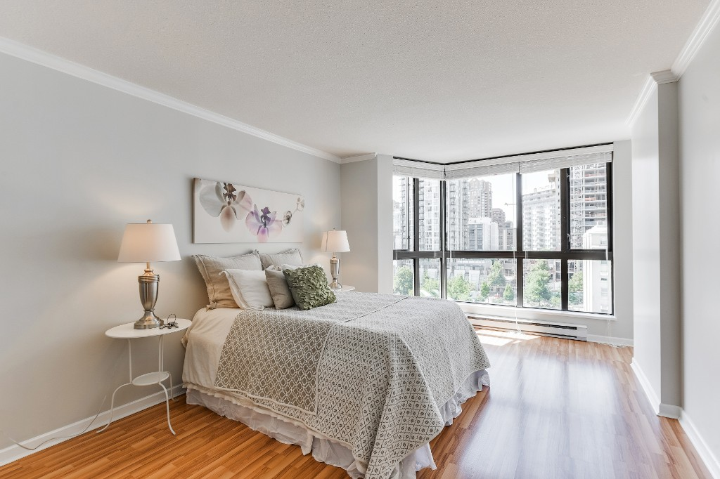 "Main Photo: 906 488 HELMCKEN Street in Vancouver: Yaletown Condo for sale in ""Robinson Tower"" (Vancouver West)  : MLS(r) # R2086319"