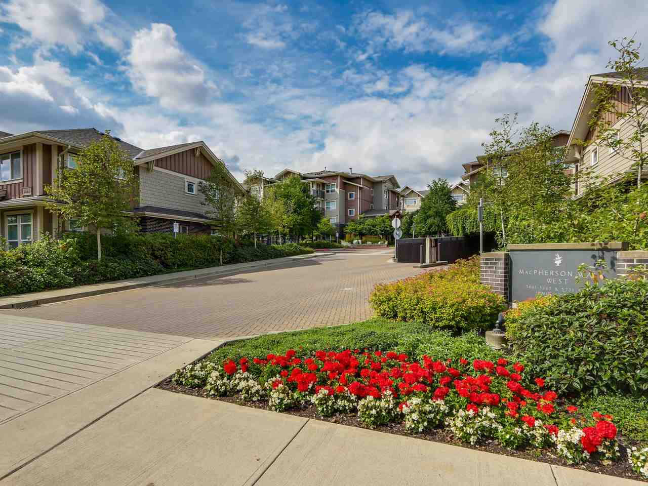 "Main Photo: 402 5665 IRMIN Street in Burnaby: Metrotown Condo for sale in ""MACOHERSON WEST"" (Burnaby South)  : MLS® # R2089049"