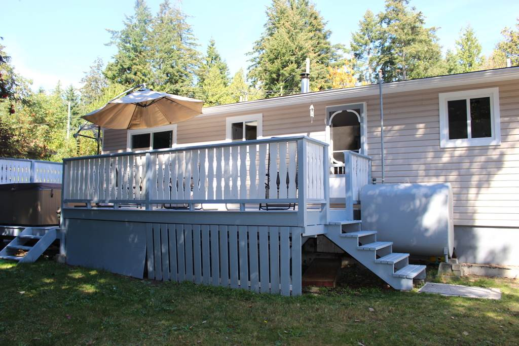 "Main Photo: 6275 NORWEST BAY Road in Sechelt: Sechelt District House for sale in ""WEST SECHELT"" (Sunshine Coast)  : MLS®# R2109064"