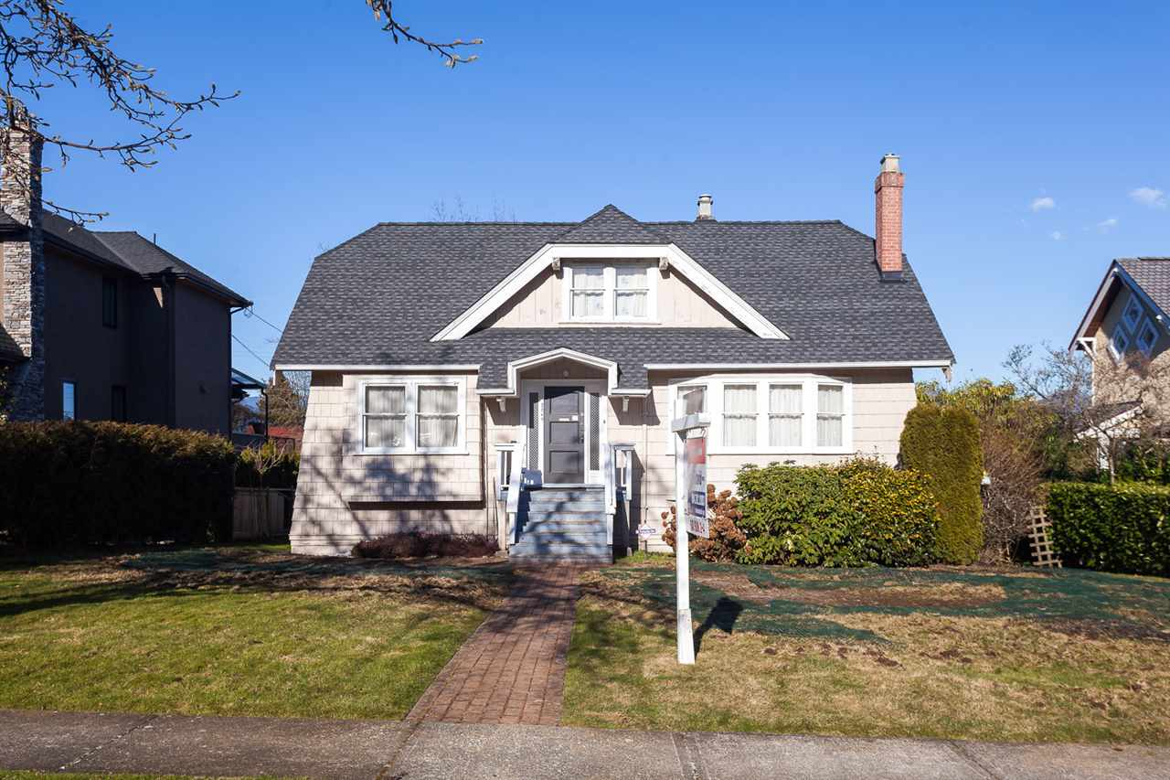 "Main Photo: 2249 W 34TH Avenue in Vancouver: Quilchena House for sale in ""QUILCHENA"" (Vancouver West)  : MLS® # R2131949"