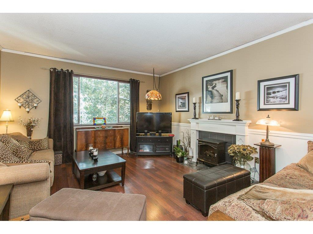 "Photo 3: 10365 SKAGIT Drive in Delta: Nordel House for sale in ""SUNBURY PARK"" (N. Delta)  : MLS® # R2137423"