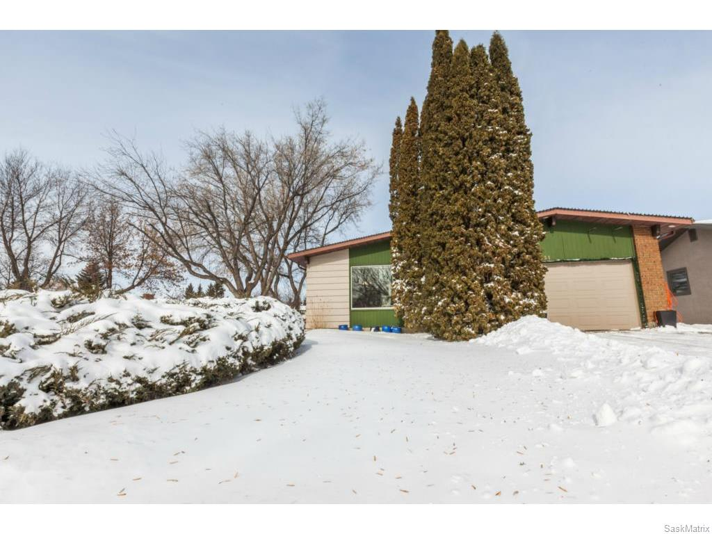 Main Photo: 334 Redberry Road in Saskatoon: Lawson Heights Single Family Dwelling for sale (Saskatoon Area 03)  : MLS® # 600688