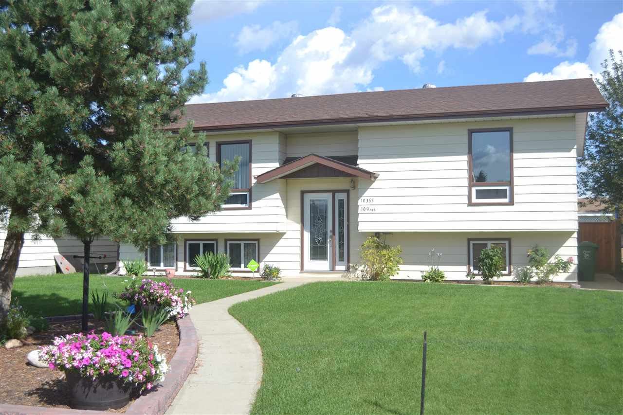 Main Photo: 10355 109 Ave: Westlock House for sale : MLS® # E4059192