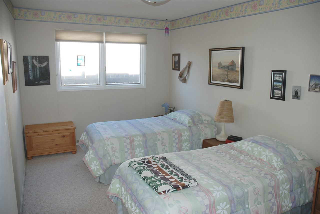 large 2nd bedroom. Great family home & close to Tempo Private school and Brander Gardens schools.