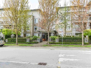 "Main Photo: 206 6279 EAGLES Drive in Vancouver: University VW Condo for sale in ""REFLECTIONS"" (Vancouver West)  : MLS(r) # R2167373"