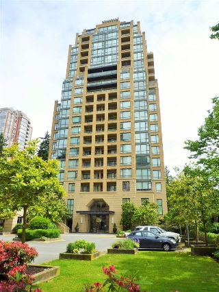 "Main Photo: 604 7388 SANDBORNE Avenue in Burnaby: South Slope Condo for sale in ""MAYFAIR PLACE"" (Burnaby South)  : MLS(r) # R2177722"