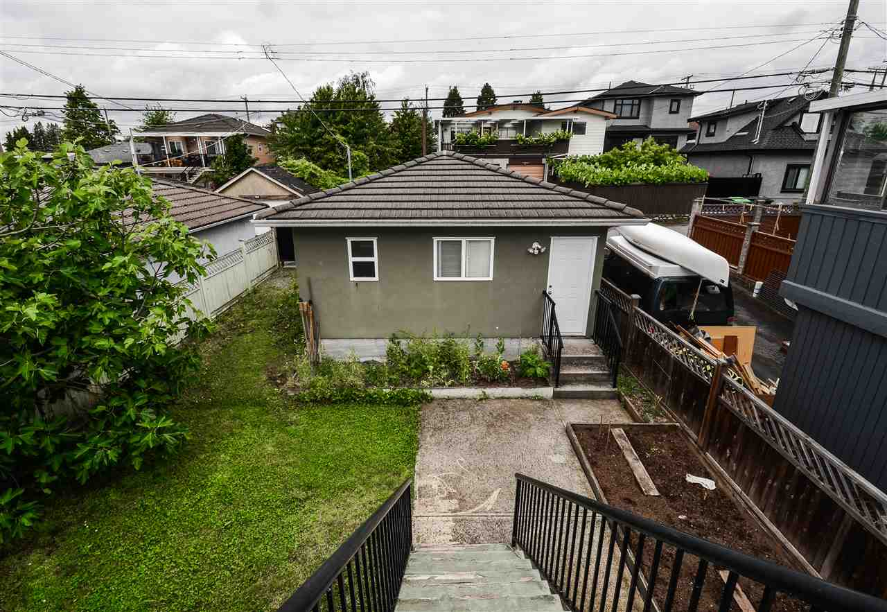 Photo 12: 625 E 54TH Avenue in Vancouver: South Vancouver House for sale (Vancouver East)  : MLS(r) # R2179133