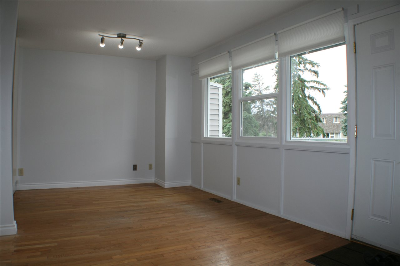 Photo 4: 608 VILLAGE ON THE Green in Edmonton: Zone 02 Townhouse for sale : MLS(r) # E4071150