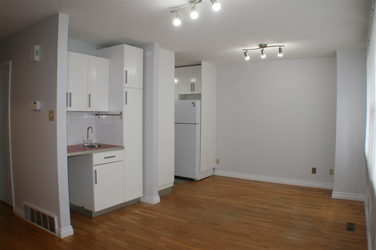 Photo 3: 608 VILLAGE ON THE Green in Edmonton: Zone 02 Townhouse for sale : MLS(r) # E4071150