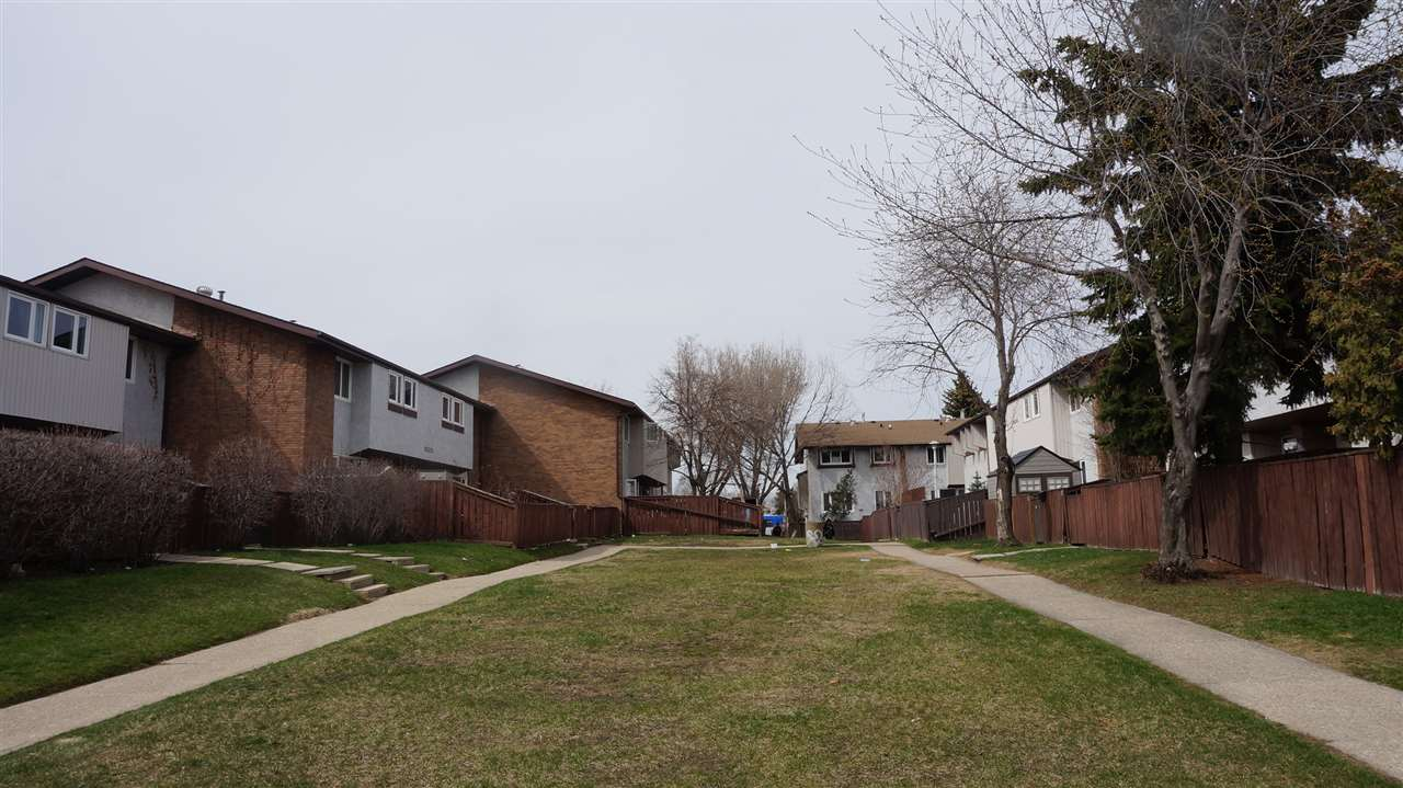 Main Photo: 1 14305 82 Street in Edmonton: Zone 02 Townhouse for sale : MLS® # E4075195