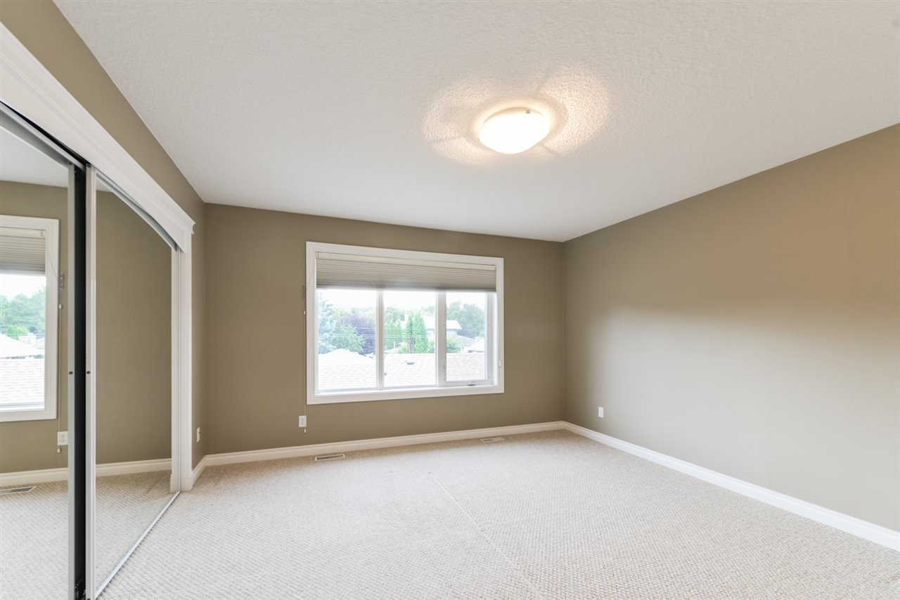 Master bedroom with South facing windows. Oversized walk-in closet and 4 pc. ensuite.