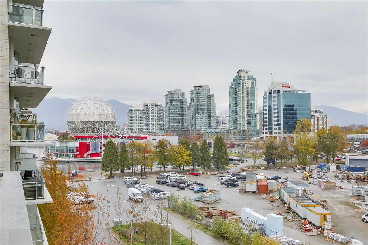 "Main Photo: 604 1661 ONTARIO Street in Vancouver: False Creek Condo for sale in ""SAILS"" (Vancouver West)  : MLS®# R2234220"