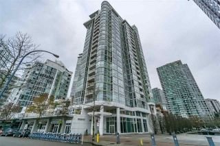 "Main Photo: 1802 1077 MARINASIDE Crescent in Vancouver: Yaletown Condo for sale in ""MARINASIDE RESORT"" (Vancouver West)  : MLS® # R2238835"