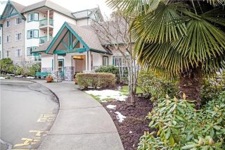 Main Photo: 105 290 Island Highway in VICTORIA: VR View Royal Condo Apartment for sale (View Royal)  : MLS® # 388915