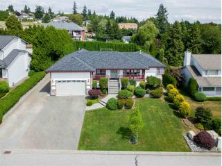 Main Photo: 5482 183A Street in Surrey: Cloverdale BC House for sale (Cloverdale)  : MLS®# R2283652