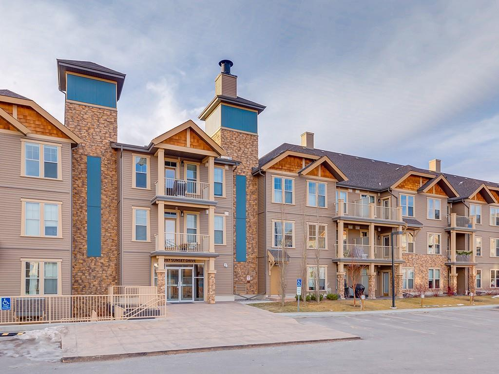 FEATURED LISTING: 425 - 207 SUNSET Drive Cochrane