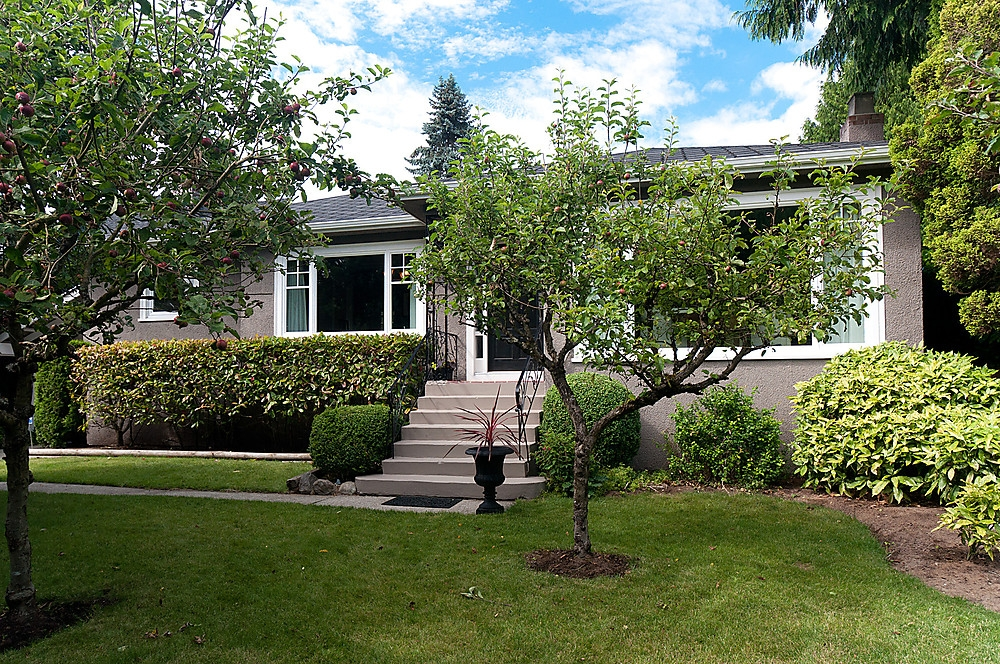 "Main Photo: 3867 SW MARINE Drive in Vancouver: Southlands House for sale in ""Southlands"" (Vancouver West)  : MLS® # V901909"