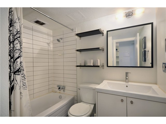 "Photo 3: 710 950 DRAKE Street in Vancouver: Downtown VW Condo for sale in ""ANCHOR POINT II"" (Vancouver West)  : MLS® # V908981"