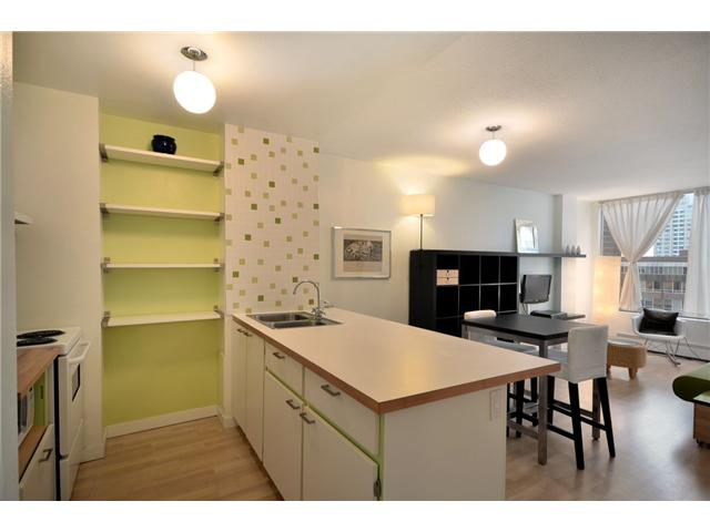 "Photo 8: 710 950 DRAKE Street in Vancouver: Downtown VW Condo for sale in ""ANCHOR POINT II"" (Vancouver West)  : MLS® # V908981"