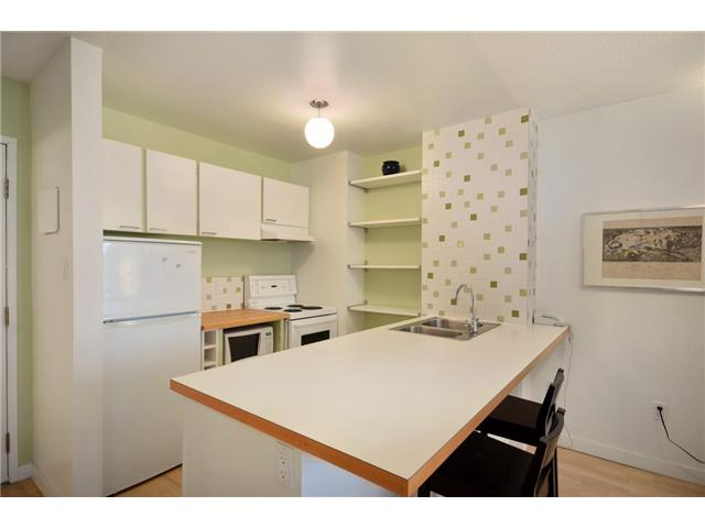 "Photo 7: 710 950 DRAKE Street in Vancouver: Downtown VW Condo for sale in ""ANCHOR POINT II"" (Vancouver West)  : MLS® # V908981"
