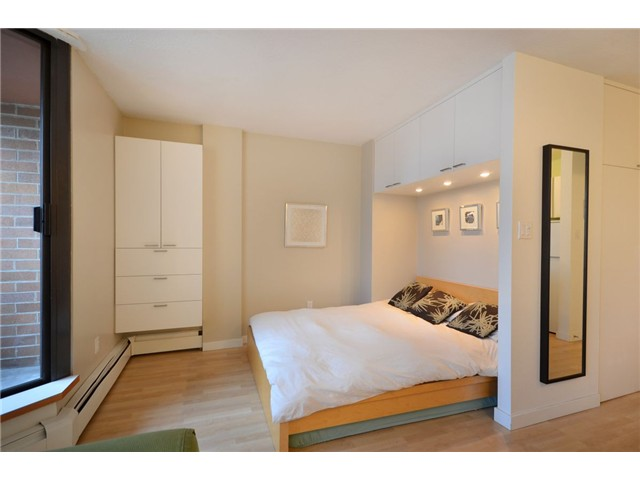 "Photo 2: 710 950 DRAKE Street in Vancouver: Downtown VW Condo for sale in ""ANCHOR POINT II"" (Vancouver West)  : MLS® # V908981"