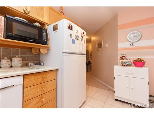 Photo 10: 401 2354 Brethour Avenue in SIDNEY: Si Sidney North-East Condo Apartment for sale (Sidney)  : MLS(r) # 359430