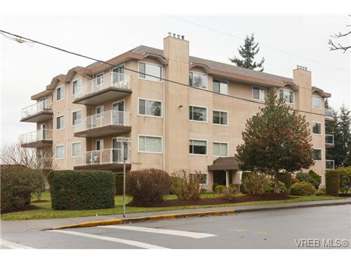 Main Photo: 401 2354 Brethour Avenue in SIDNEY: Si Sidney North-East Condo Apartment for sale (Sidney)  : MLS(r) # 359430