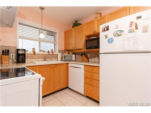 Photo 8: 401 2354 Brethour Avenue in SIDNEY: Si Sidney North-East Condo Apartment for sale (Sidney)  : MLS(r) # 359430