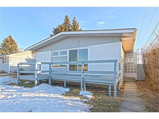 Main Photo: 4811 7 Avenue SE in Calgary: Forest Heights House for sale : MLS®# C4050621
