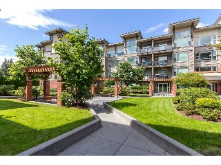 "Main Photo: 111 33538 MARSHALL Road in Abbotsford: Central Abbotsford Condo for sale in ""The Crossing"" : MLS®# R2089653"