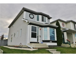 Main Photo: 100 RIVER ROCK Circle SE in Calgary: Riverbend House for sale : MLS® # C4088178