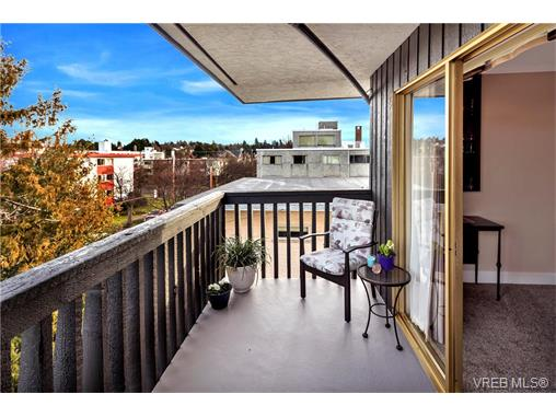 Photo 2: 401 1035 McClure Street in VICTORIA: Vi Downtown Condo Apartment for sale (Victoria)  : MLS(r) # 373701