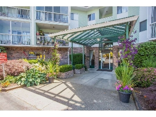 "Main Photo: 305 31850 UNION Avenue in Abbotsford: Abbotsford West Condo for sale in ""FERNWOOD MANOR"" : MLS(r) # R2143727"