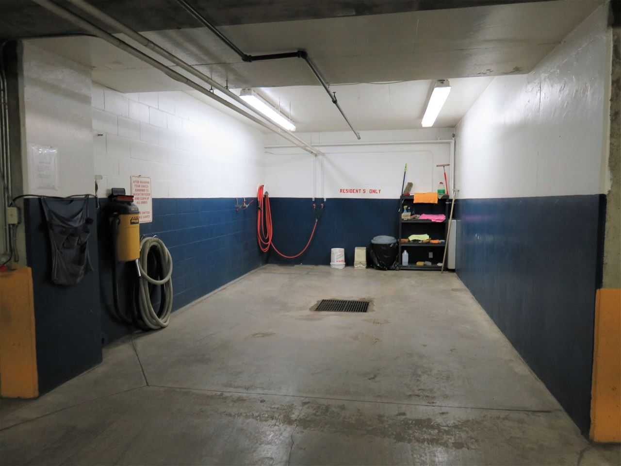 View of the underground heated carwash for you to use anytime you wish!! Comes with hot & cold running water & a vacuum too! :)