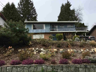 "Main Photo: 1004 OGDEN Street in Coquitlam: Ranch Park House for sale in ""RANCH PARK"" : MLS® # R2156407"