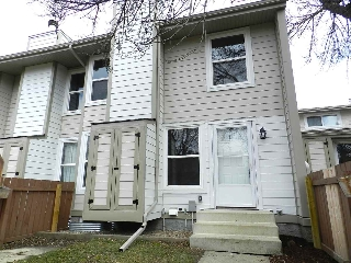 Main Photo: 7028 MILL WOODS Rd South Road S in Edmonton: Zone 29 Townhouse for sale : MLS(r) # E4060417