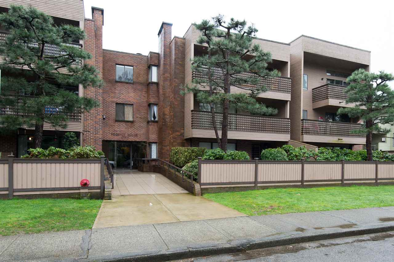 "Main Photo: 101 1750 W 10TH Avenue in Vancouver: Fairview VW Condo for sale in ""REGENCY HOUSE"" (Vancouver West)  : MLS(r) # R2158640"