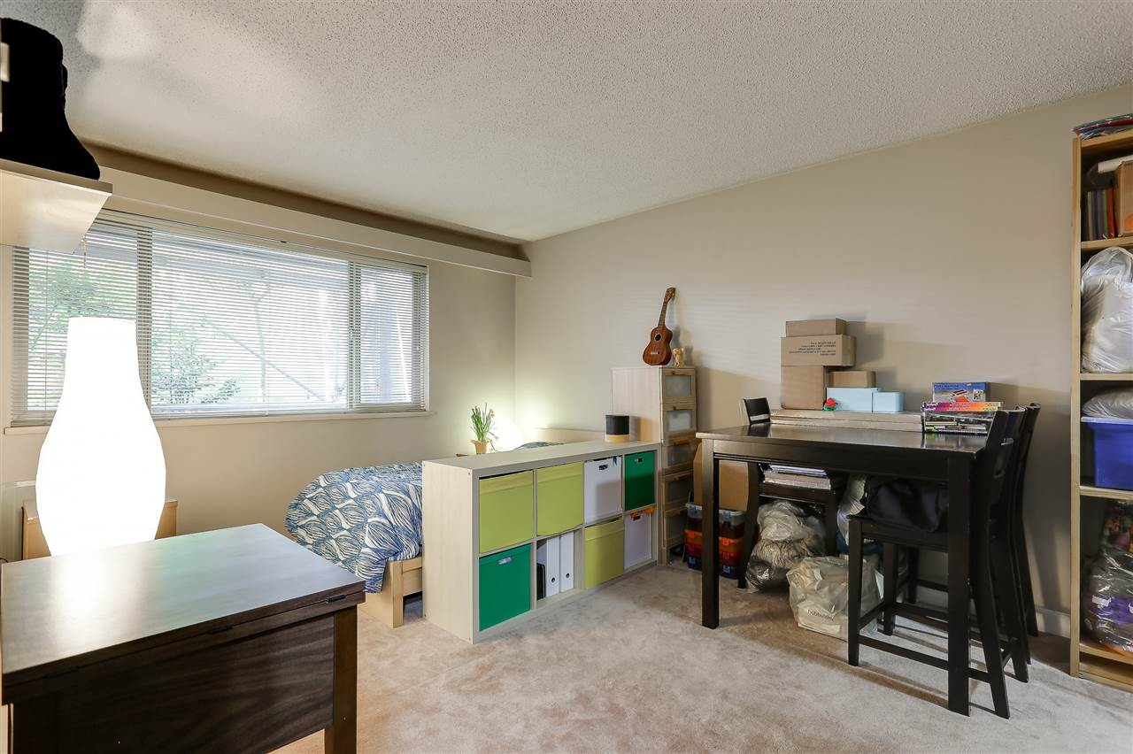 Photo 11: 216 9857 MANCHESTER Drive in Burnaby: Cariboo Condo for sale (Burnaby North)  : MLS® # R2161229