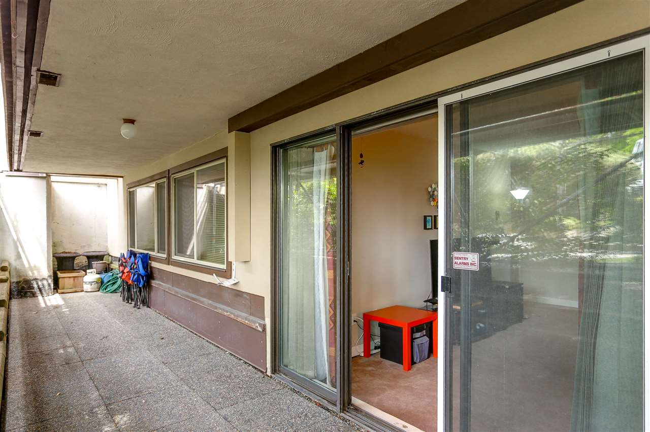 Photo 5: 216 9857 MANCHESTER Drive in Burnaby: Cariboo Condo for sale (Burnaby North)  : MLS® # R2161229