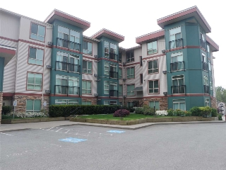 "Main Photo: 407 33485 S FRASER Way in Abbotsford: Central Abbotsford Condo for sale in ""The Citadel"" : MLS(r) # R2167578"