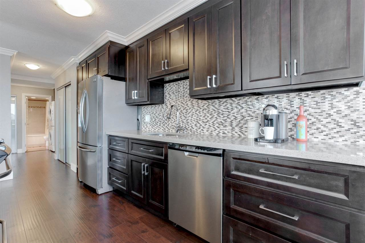 "Main Photo: 304 11980 222 Street in Maple Ridge: West Central Condo for sale in ""GORDON TOWERS"" : MLS(r) # R2186234"