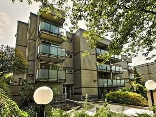 "Main Photo: 105 1864 FRANCES Street in Vancouver: Hastings Condo for sale in ""Landview Place"" (Vancouver East)  : MLS® # R2202824"