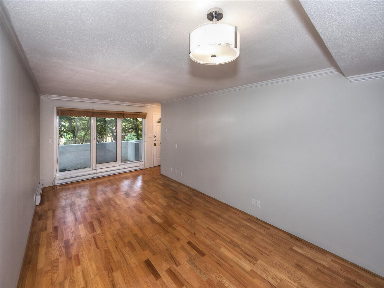 "Photo 8: 1272 W 7TH Avenue in Vancouver: Fairview VW Townhouse for sale in ""Seventh Heaven"" (Vancouver West)  : MLS® # R2204233"