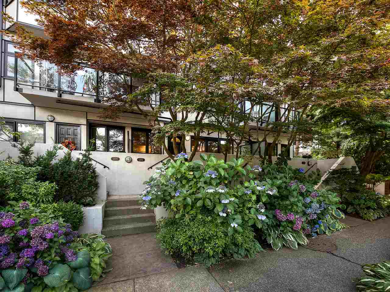 "Photo 13: 1272 W 7TH Avenue in Vancouver: Fairview VW Townhouse for sale in ""Seventh Heaven"" (Vancouver West)  : MLS® # R2204233"