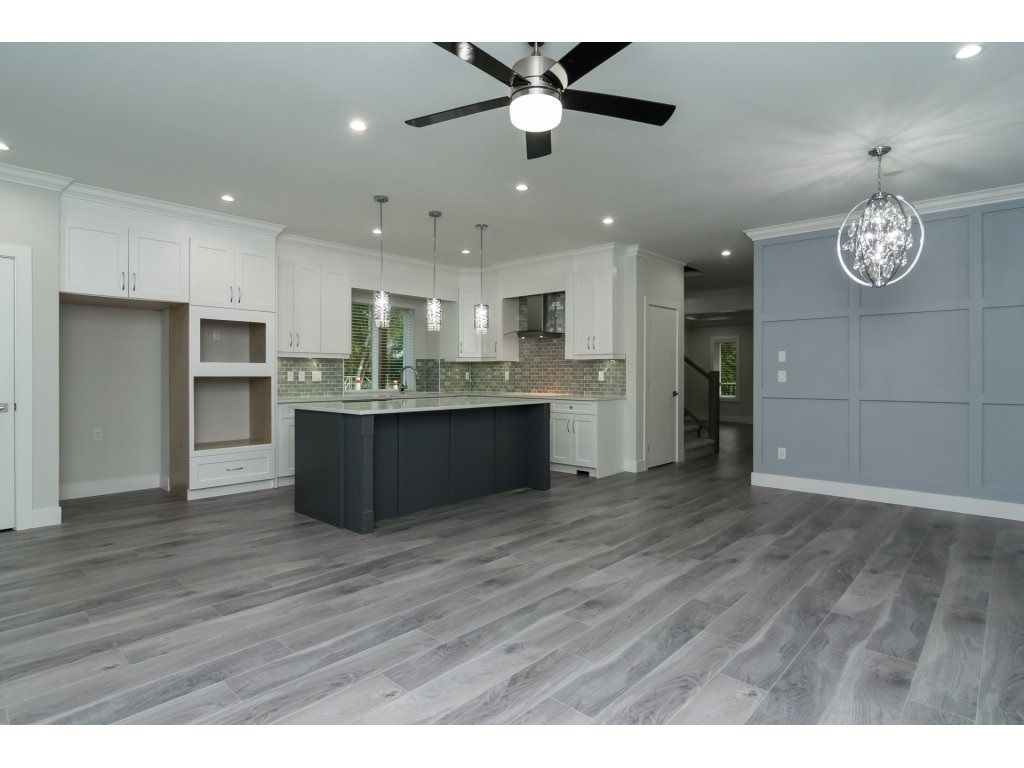 Photo 3: Photos: 6989 206 Street in Langley: Willoughby Heights House for sale : MLS®# R2212027