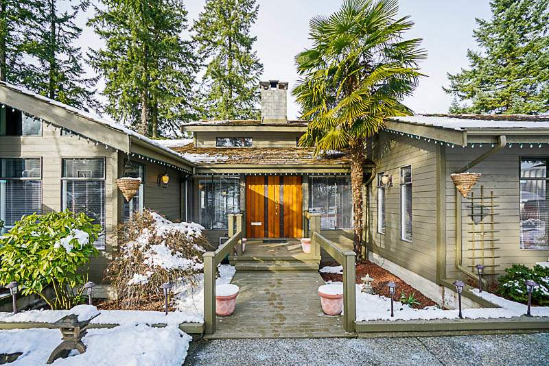 Main Photo: 709 CARLETON Drive in Port Moody: College Park PM House for sale : MLS® # R2240298