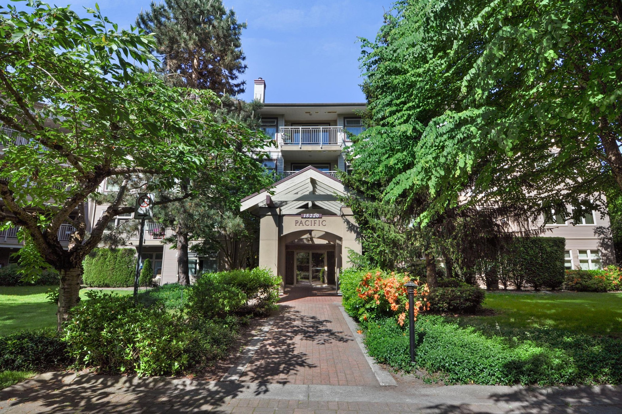 FEATURED LISTING: 104 - 15220 GUILDFORD Drive Surrey